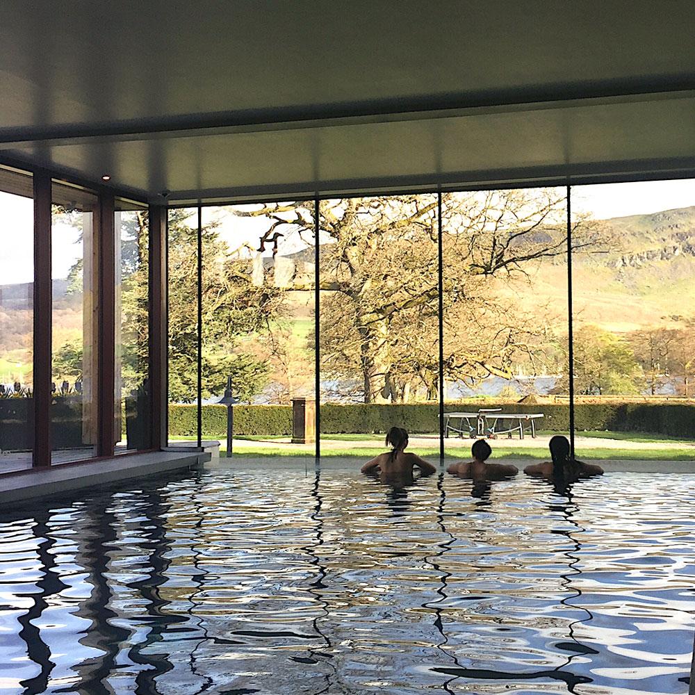 Infinity pool overlooking the lake