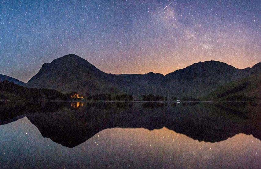 The beautiful night sky in the Lake District