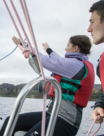 2 young people sailing on Ullswater