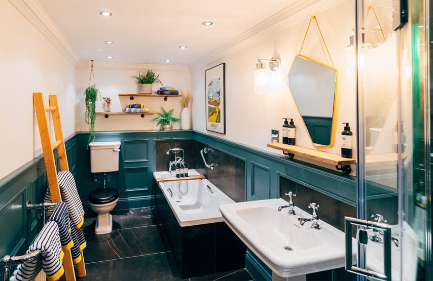 bathroom in the joules suite